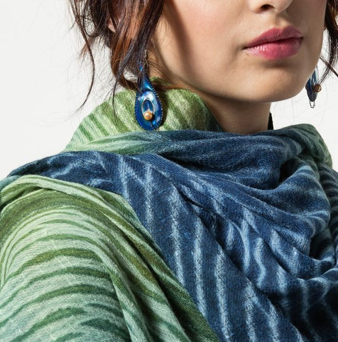 Light Cashmere Shawl with Enameled Earrings