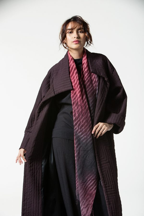 Wind Coat, Cassis, with Shibori Cashmere Shawl in Grenat/Black
